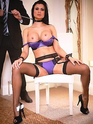 Superstar Jasmine Jae Pleasured by Stiff Cock